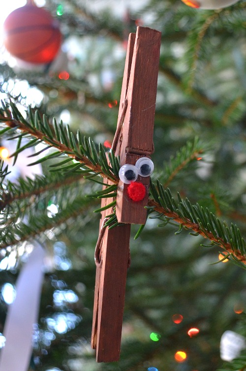 Make reindeer ornaments from clothespins!