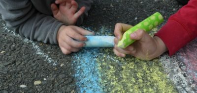 35 Ways to Play & Learn With Sidewalk Chalk
