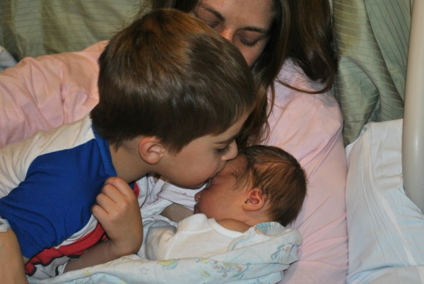 Tips to Prepare Your Child For A New Sibling