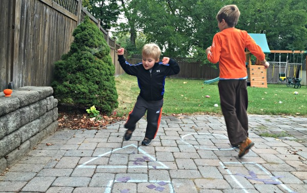 Pumpkin Shape Freeze Dance!  Great Halloween party game!