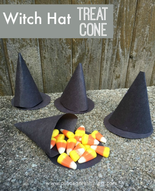 Halloween Treat Holder: a witch's hat for a small Halloween candy treat!
