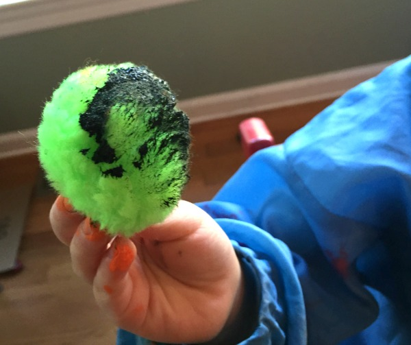 Pompom painting - fun toddler craft!