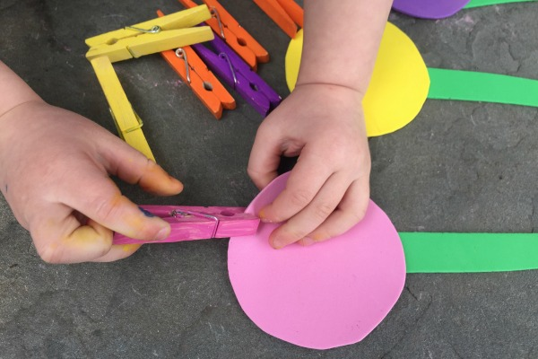 Fine motor activity - build a flower!