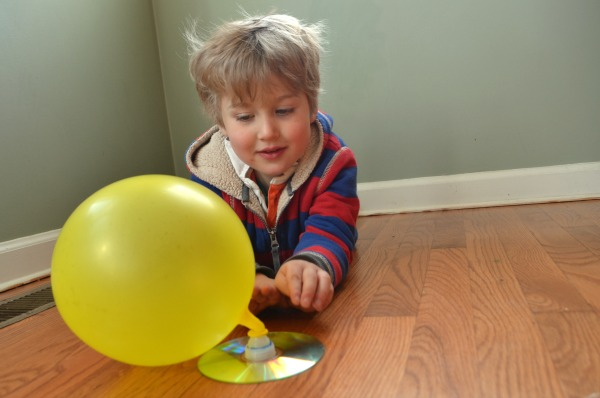Make Your Own Hovercraft! Fun rainy day activity for kids!