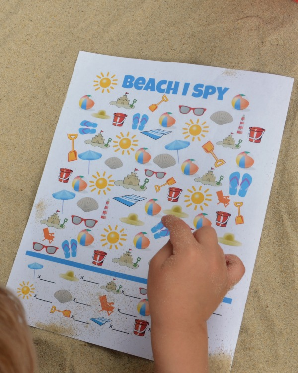 Free printable! Beach I Spy game for kids!
