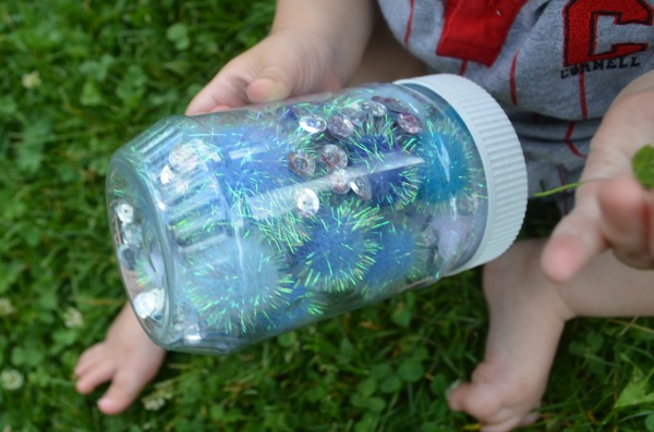Quick and easy sensory bottle for babies - fun to crawl after and shake!