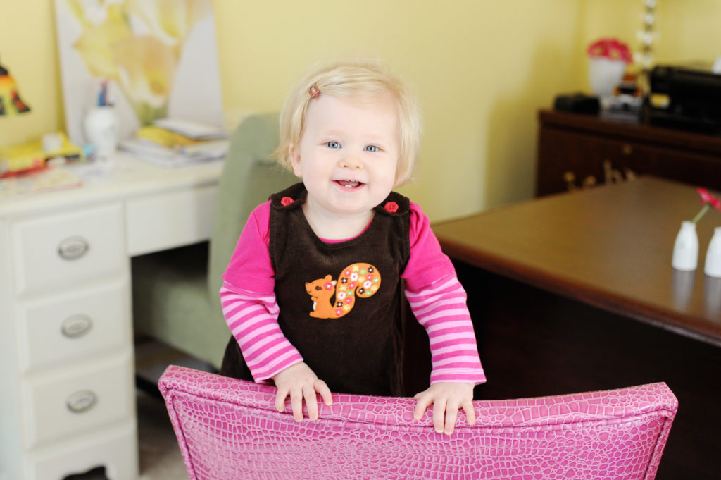3 tips to improve your indoor photos of your kids!