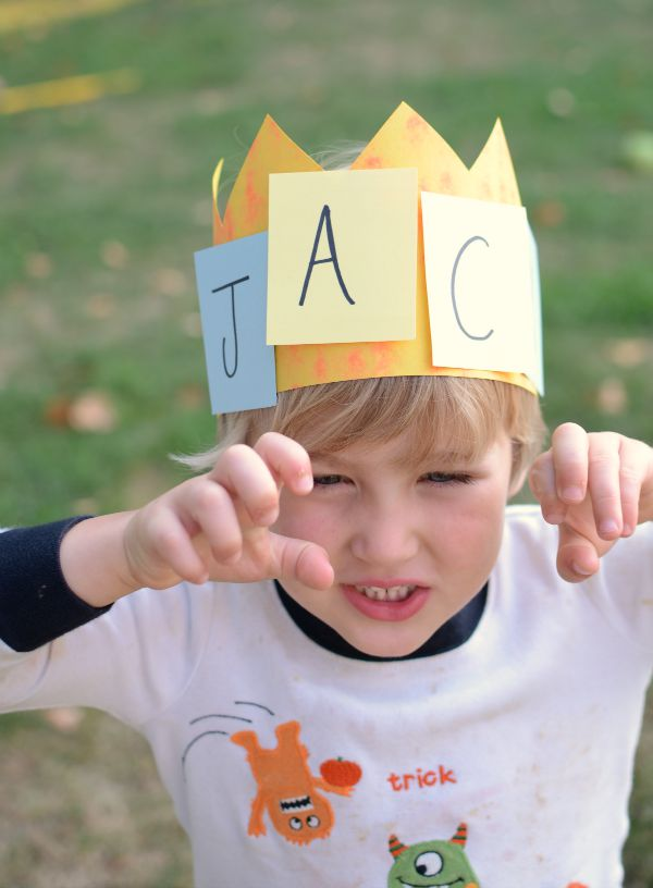 Name activity - practice letters and names with this fun game and crown craft!