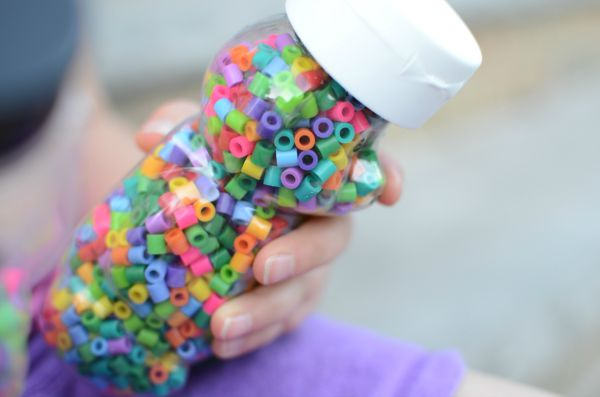 Rainbow bear sensory bottle - explore colors and sounds with this easy DIY toy for babies and toddlers!