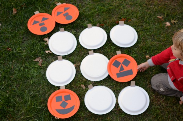 Supersize your memory game! Try this Pumpkin Face Halloween Game!