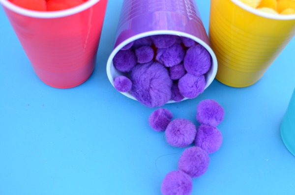 Color sorting idea for toddlers and preschoolers. Easy set up and great quiet time activity!