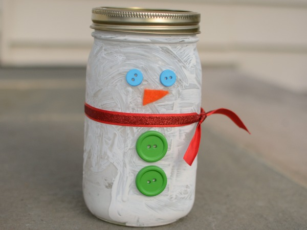 Cute snowman mason jar craft is the perfect winter craft for kids!