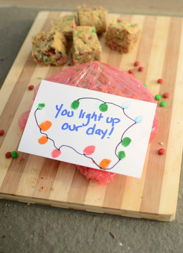 Kid made holiday gift tag - and YUMMY oatmeal M&M bars!
