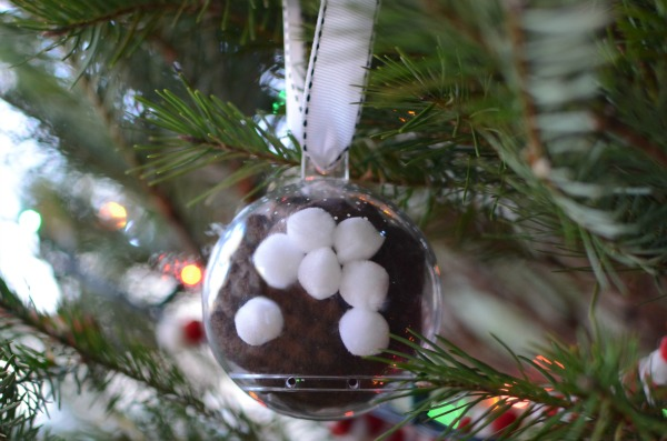 Cute and quick Christmas tree ornament for kids to make - a hot chocolate ball!