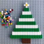 Build a LEGO Christmas tree - fun holiday game!