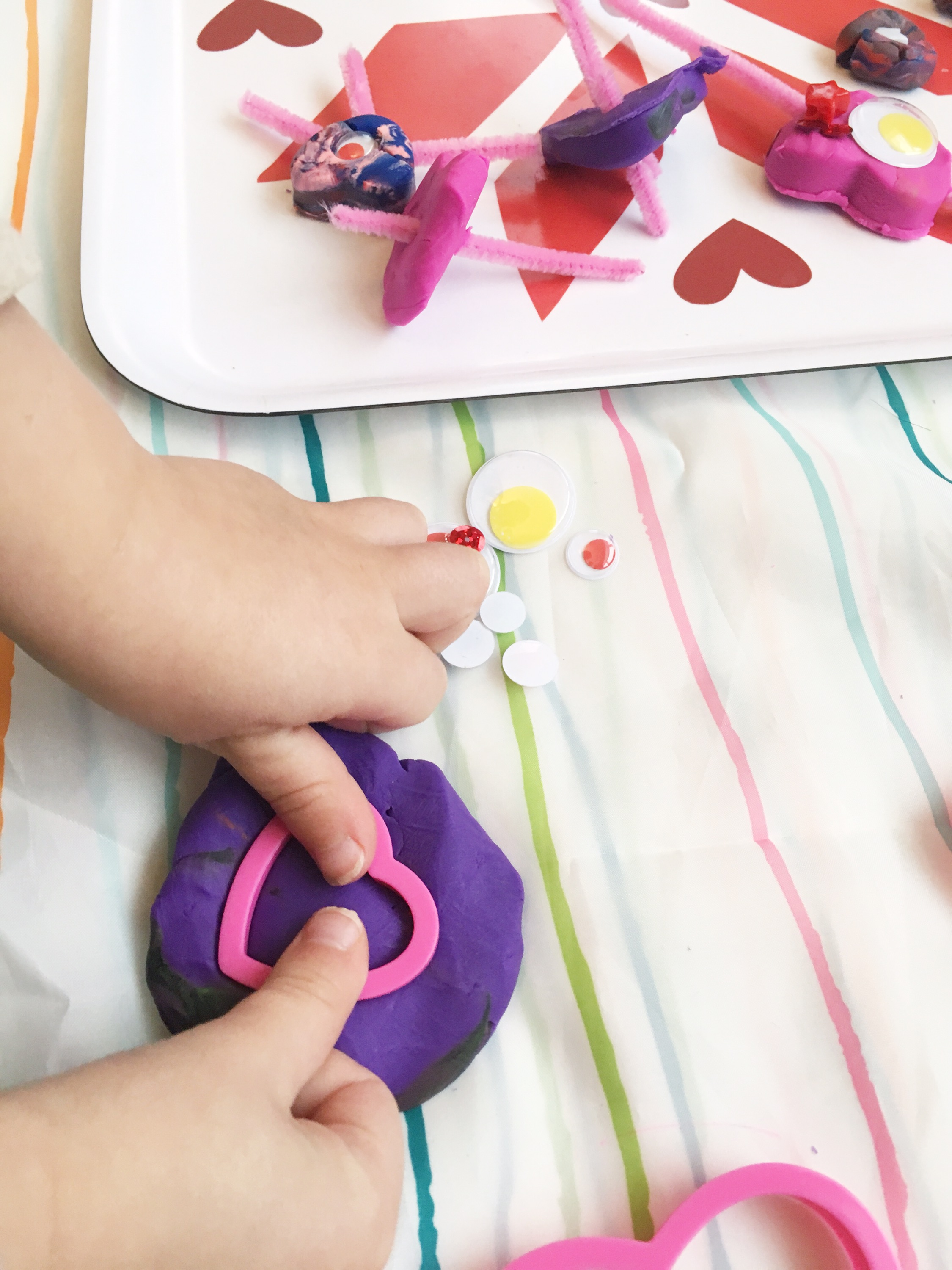 Make your own play dough heart decorating kit - fun activity for Valentine's Day
